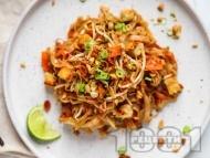 Рецепта Оризови нудли с тофу, пресен лук, чесън, бобови кълнове  и сос тамари с кленов сироп